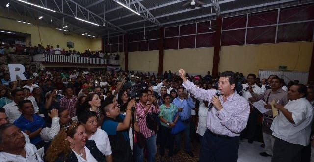 """""""Me he opuesto a lo que daña a Veracruz, venga de donde venga"""": Héctor Yunes"""