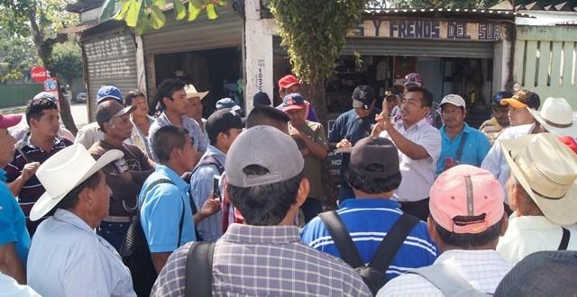 Campesinos de Minatitlán amenazan con bloquear entradas y salidas