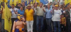 Con una marcha Javier Soberano arranco campaña para diputado Local en Minatitlán