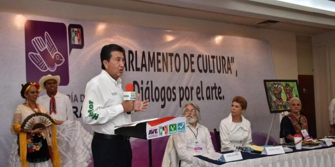 """""""Con las familias veracruzanas, lograremos el triunfo el 5 de junio"""": Héctor Yunes Landa"""