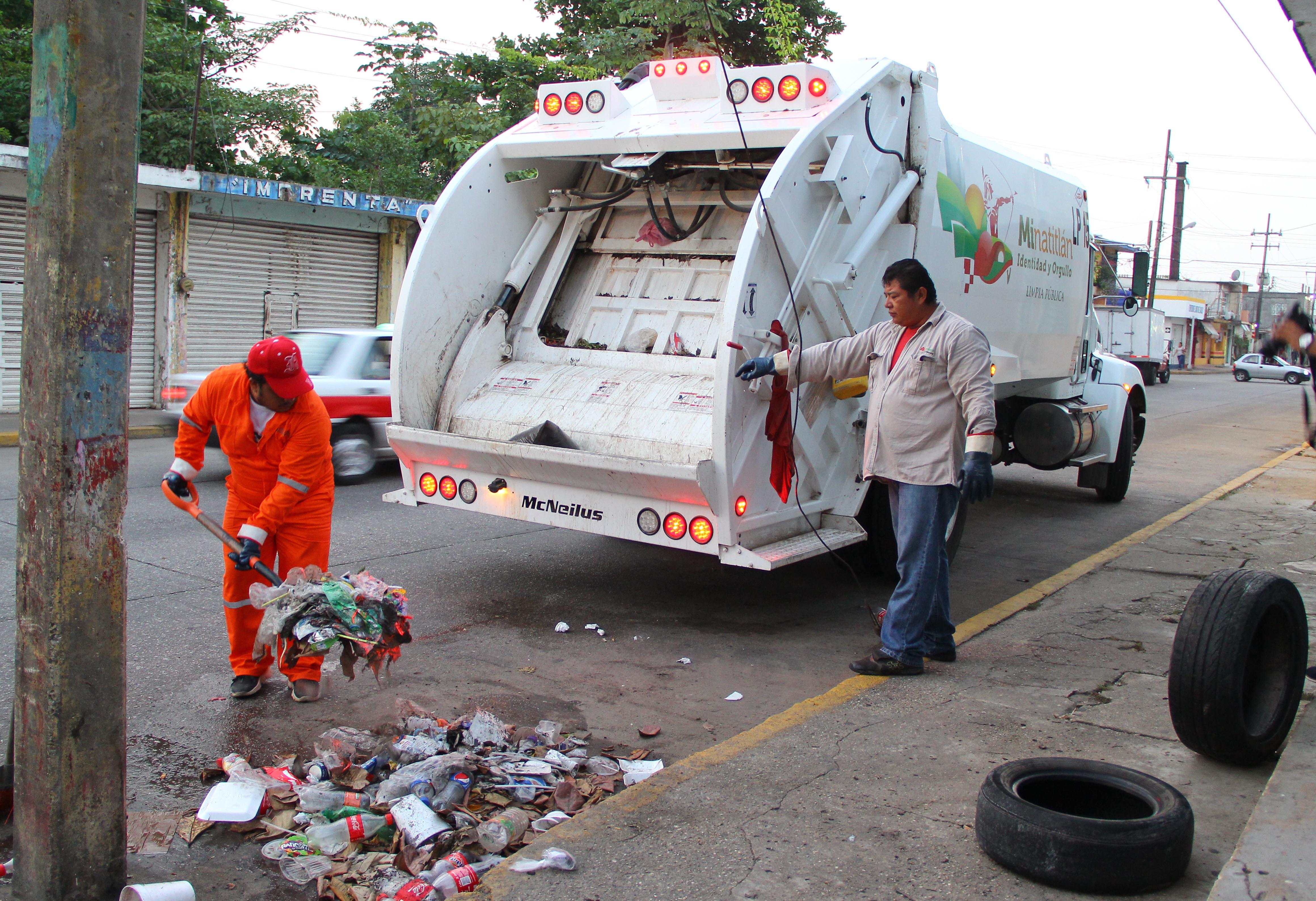 Ayuntamiento de Minatitlan, mejora el servicio de Limpia Publica