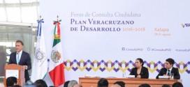 """""""Sentaremos las bases del nuevo Veracruz, del Veracruz que todos queremos, del Veracruz que todos soñamos"""": Gobernador Yunes"""