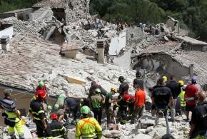 Suman 73 muertos y decenas de desaparecidos por sismo en Italia