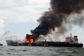 Minimiza PEMEX incendio en el buquetanque Burgos
