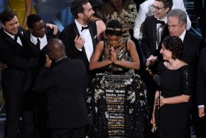 Moonlight, gana el Oscar por mejor película, aunque antes premiaron a LA LA LAND