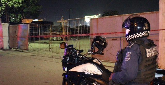 """Bajo resguardo de Policía Estatal """"pensión"""" con tracto camiones robados, seis detenidos"""