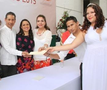 80 parejas contraerán nupcias en el evento de Bodas Colectivas en Minatitlán