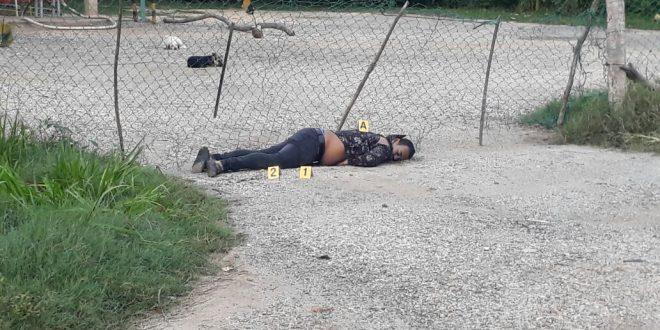 En Cosoleacaque, encuentran ejecutada una persona cerca de una gasera