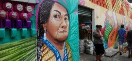 Mercado 5 de Febrero luce mural
