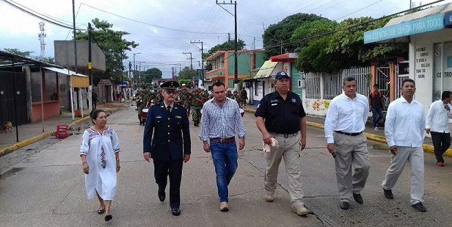 Militares desfilan en el CLIV Aniversario de la Batalla de Totoapan