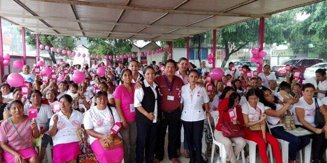 Celebran el día Mundial de la Lucha contra el Cáncer de Mama