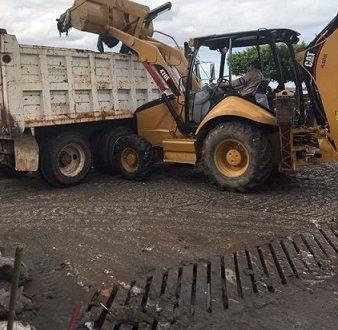 Comienza el retiro de costalillas del Malecón de Minatitlán