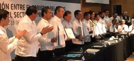 Alcalde de Minatitlán, participa en firma de convenio de Zonas Económicas Especiales