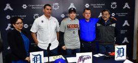 El Minatitleco Martín Herrera firma con TIGRES